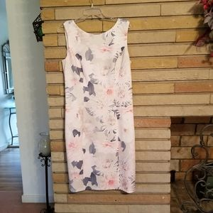 New White House Black Market FLORAL Dress Size 14